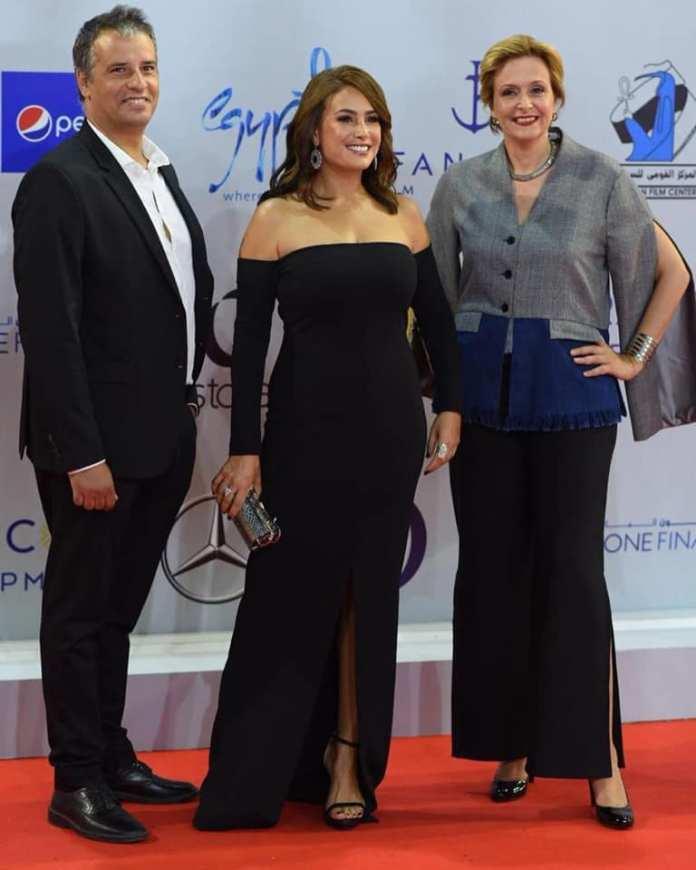 Noura rêve - Hakim Boumsaoudi, Hend Sabry et Hinde Boujemaa sur la tapis rouge