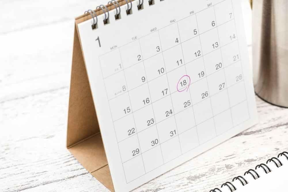 卓上カレンダーのチェックマーク