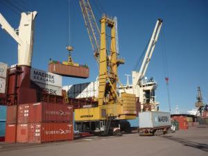 ¿Estudiar comercio exterior tiene salida?