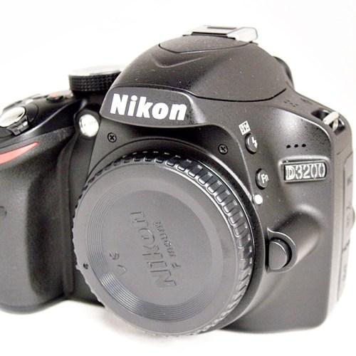 ニコンのデジタル一眼レフカメラ「D3200 ダブルズームキット」買取実績