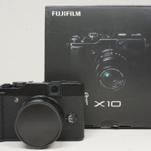 フジフィルムのコンデジ「X10」買取実績