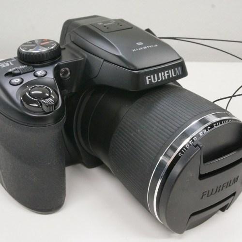 フジフィルムのデジタル一眼レフカメラ「FINEPIX S8400」買取実績