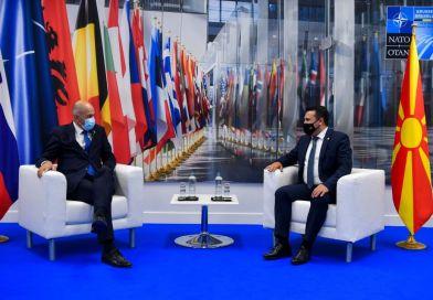 Заев и словенечкиот премиер Јанша на Самитот на НАТО: Взаемната соработка и поддршка на двете земји е влог во европската иднина на Северна Македонија