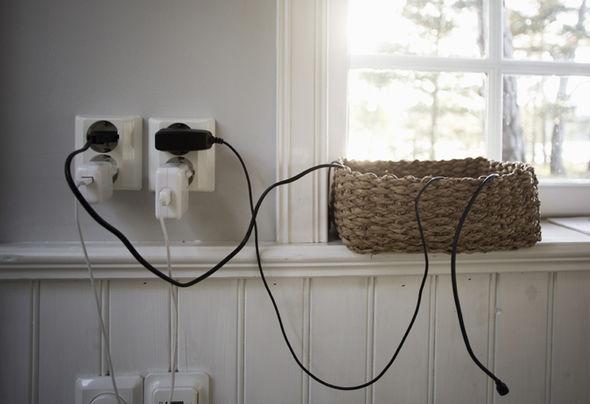 şarj cihazı prizde bırakmak elektrik enerji fiyat