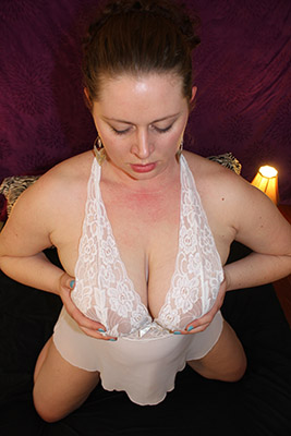 Lucy for phonesex and webcam