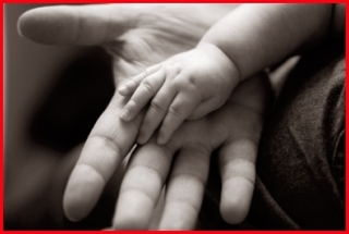father__baby_hands.jpg