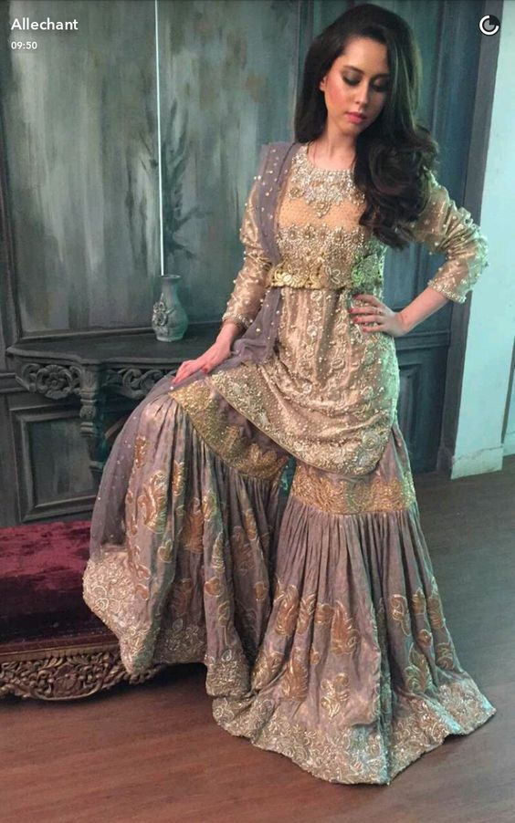2ce10afd3a It's 2019 and the latest trend raging among the fashion ramps are shararas.  Now you know what the problem is, there is n number of designs to choose  from, ...