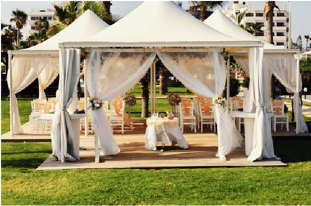 planning an outdoor wedding