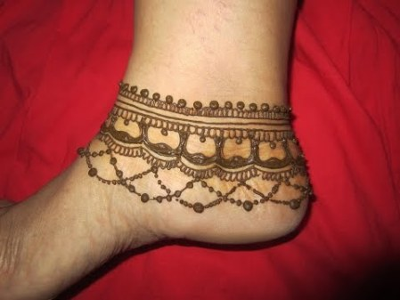 simple feet mehendi designs