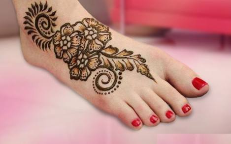 simple feet mehendi design