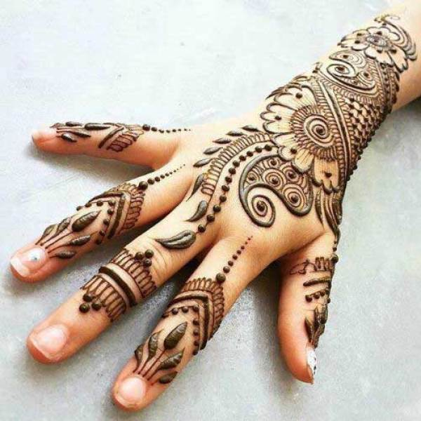 3.Paisleys and Leaves Back hand henna