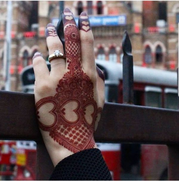 17.Three heart mehndi design