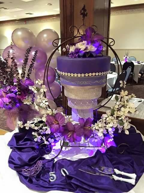 Chandelier Cake Stand By Cake Stackers