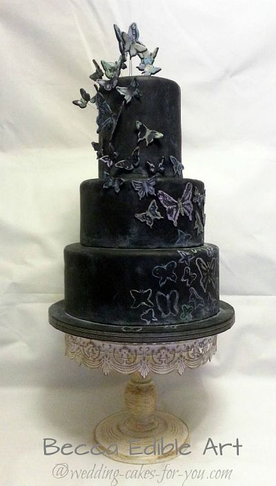 Wedding Cakes Pictures And Cake Decorating Ideas From Craftspeople     Halloween Wedding Cake by Beccas Edible Art
