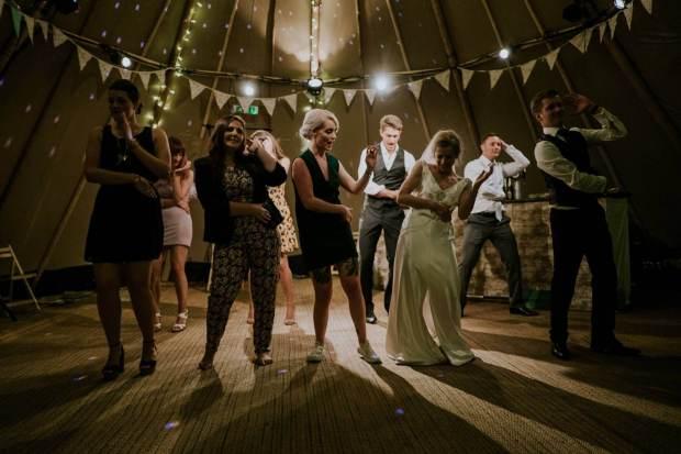 Wedding Bands Ireland The Jukebox Kings Bride Dancing