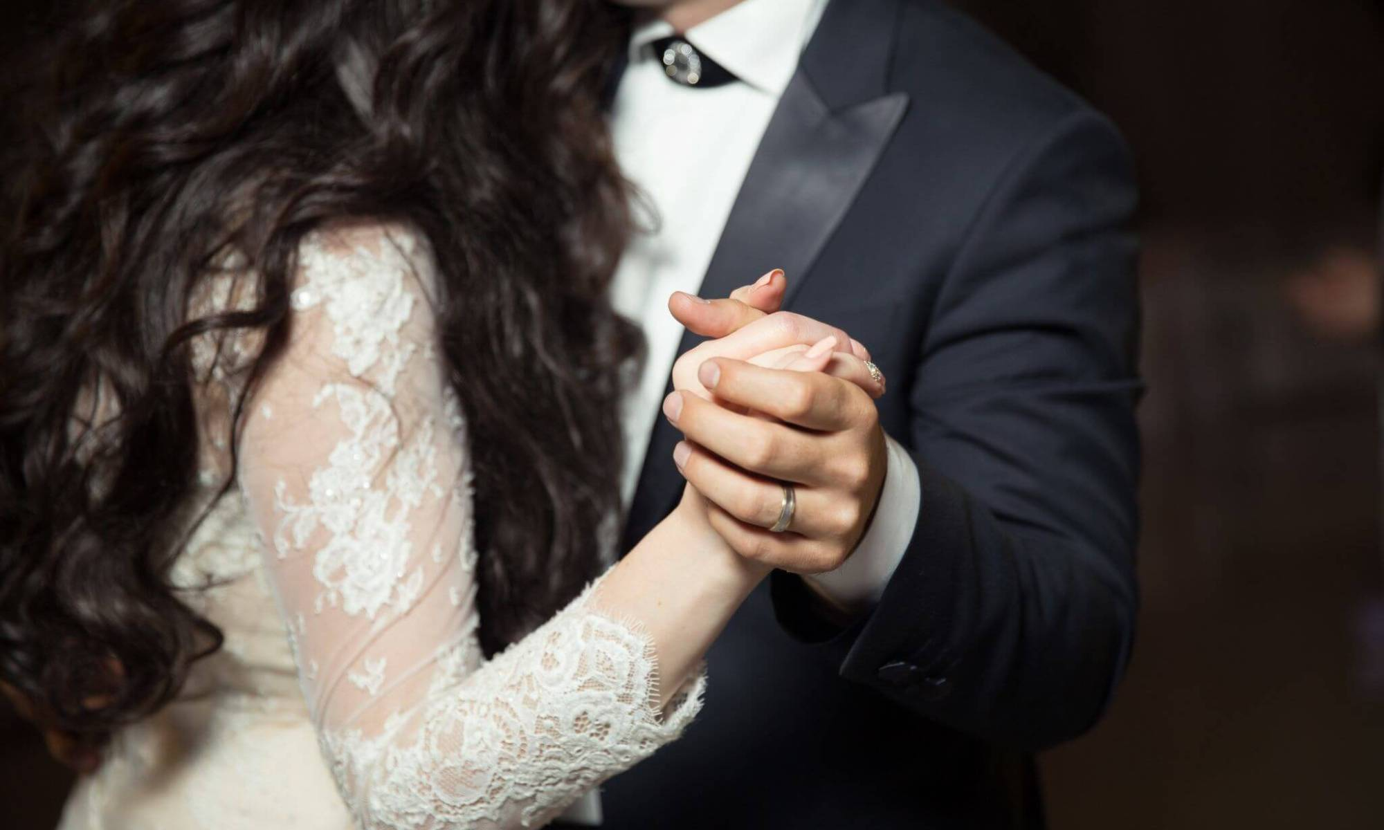 What to Ask Your Wedding Band before Booking-Wedding Band Costs