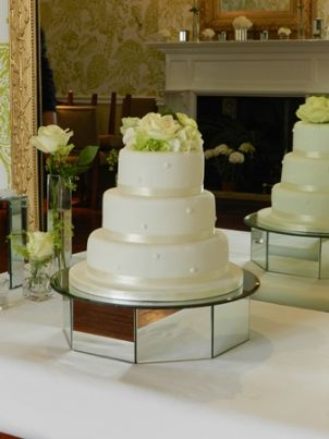 Wedding Cake Stands   Wedding Cake Stands For Hire OCTAGONAL MIRRORED CAKESTAND