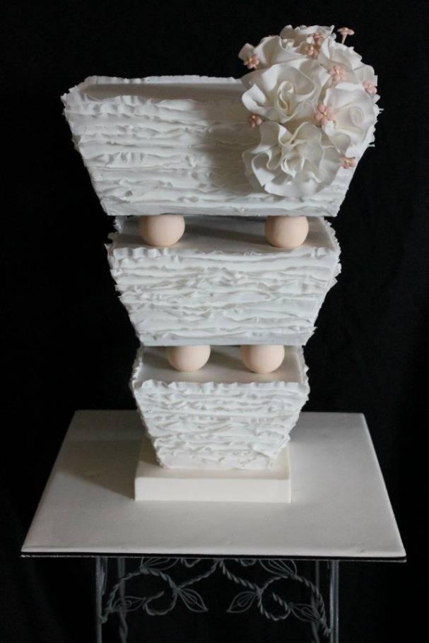 Topsy Turvy 5 Beautiful Upside Down Wedding Cakes