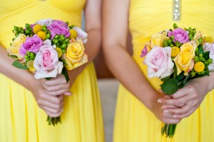 bridesmaids-bouquet-in-pink-and-yellow