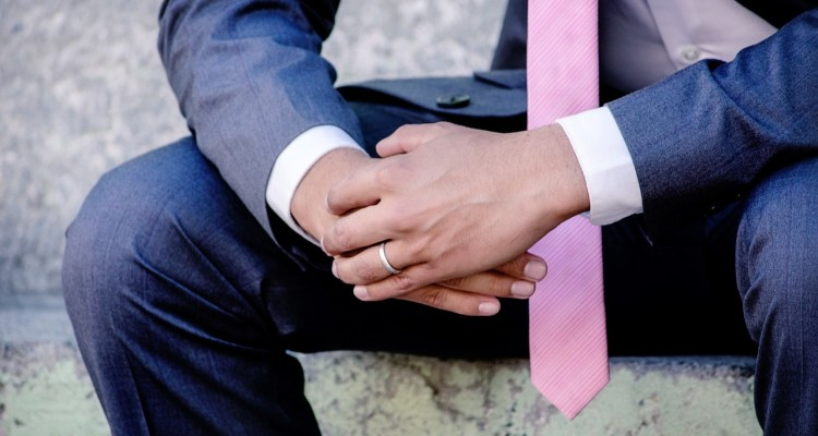 Wedding for $1000 - It's not all about the bride: tips for the groom
