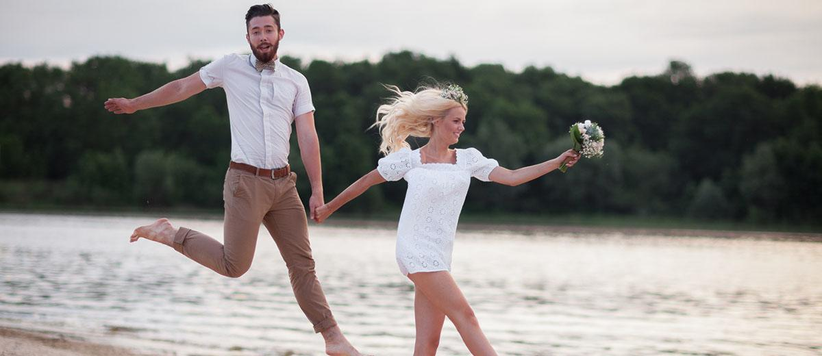 20 Ideas How To Choose The Best Engagement Photo Poses Wedding Forward