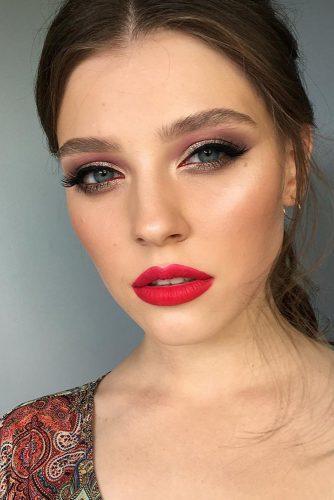 fall wedding makeup red cherry lips shimmer gold eyeshadows burgundy eyeliner tominamakeup
