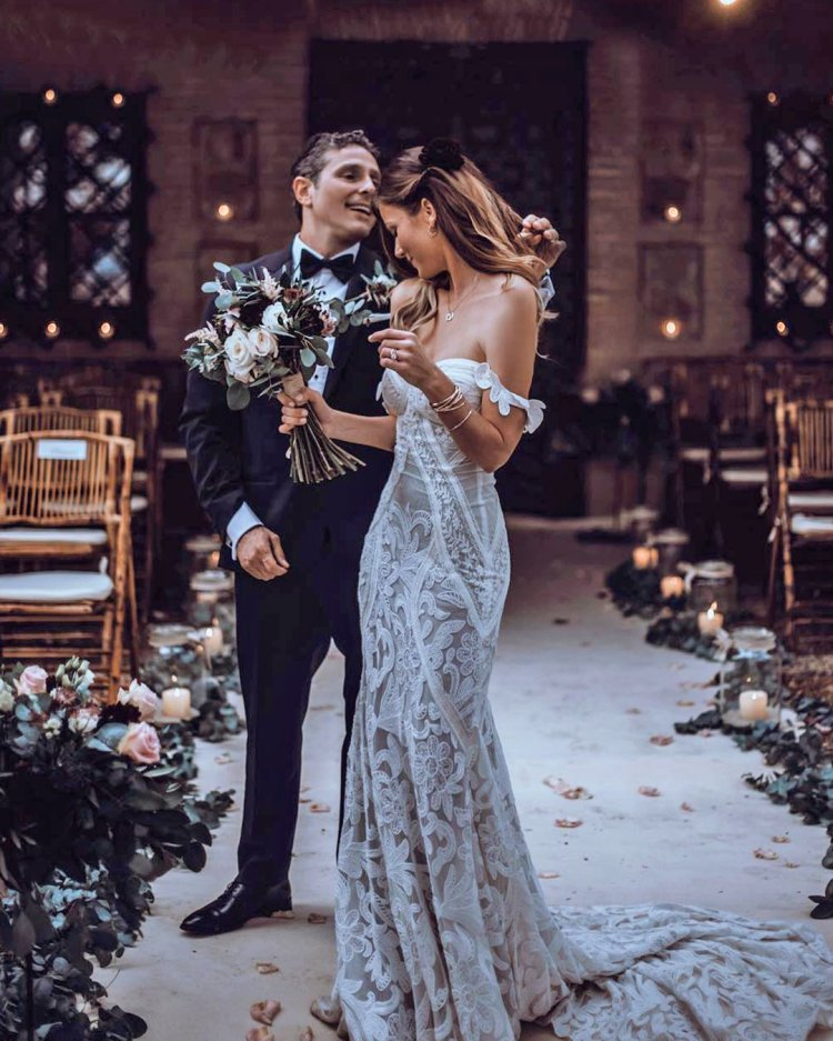váy cưới lệch vai áo khoác ren boho tali chụp ảnh