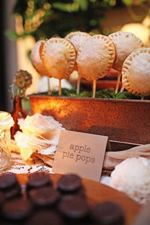 Apple Pie Pops for a Rustic-Chic Dessert Bar- earlyivy.com