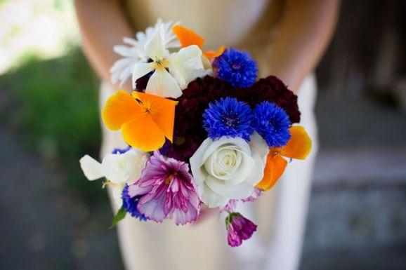 50 dos melhores buquês de casamento para noivas e empregadas domésticas © davidburkephotography.co.uk
