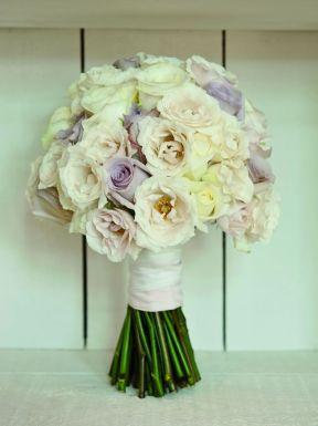 50 dos melhores buquês de casamento para noivas e empregadas © lovegroveweddings.com