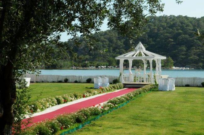 best-destination-wedding-locations-weddings-abroad-Sugar Beach Turkey