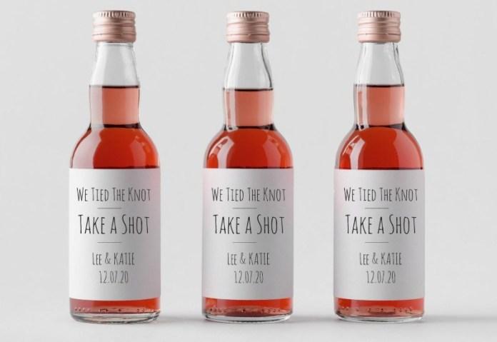 mini-bottles-wedding-favors
