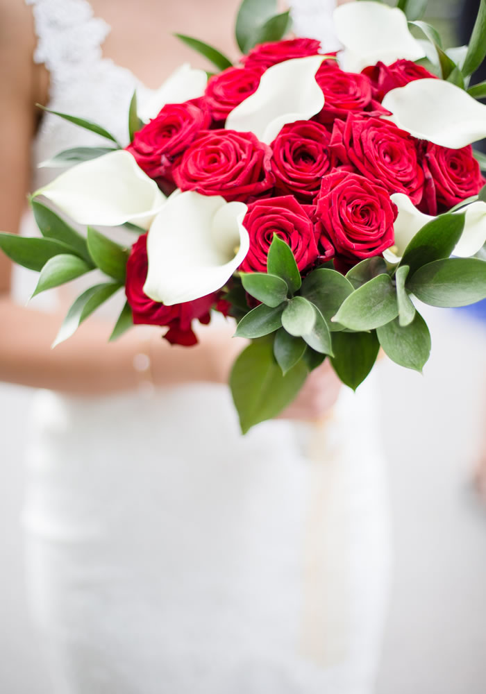 White Chocolate And Red Roses Decorated This Bride S