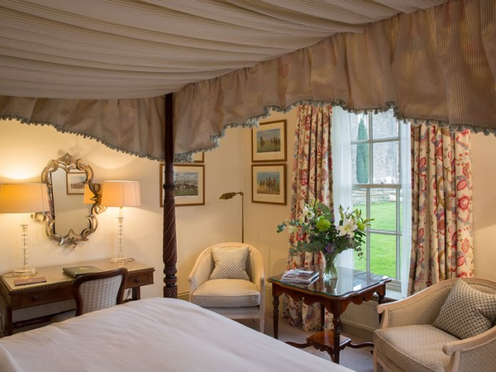 Room in the Cavendish Intimate Wedding Venues for Small Weddings