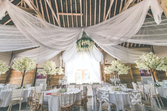 "the-cherry-barn-uk-barn-venues ""width ="" 800 ""top ="" 533 ""srcset ="" https://www.weddingideasmag.com/wp-content/uploads/2018/06/the-cherry-barn -uk-barn-venues.jpg 800w, https://www.weddingideasmag.com/wp-content/uploads/2018/06/the-cherry-barn-uk-barn-venues-300x200.jpg 300w, https: / /www.weddingideasmag.com/wp-content/uploads/2018/06/the-cherry-barn-uk-barn-venues-768x512.jpg 768w, https://www.weddingideasmag.com/wp-content/uploads/ 2018/06 / the-cherry-barn-uk-barn-venues-650x433.jpg 650w ""sizes ="" (max-width: 800px) 100vw, 800px ""/></p data-recalc-dims="