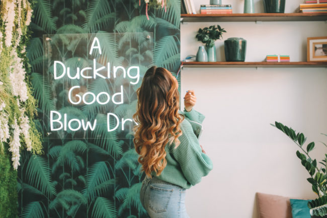 "5.blow-dry-duck-and-dry ""width ="" 650 ""top ="" 433 ""srcset ="" https://www.weddingideasmag.com/wp-content/uploads/2018/12/5.blow-dry -duck-and-dry-650x433.jpg 650w, https://www.weddingideasmag.com/wp-content/uploads/2018/12/5.blow-dry-duck-and-dry-300x200.jpg 300w, https : //www.weddingideasmag.com/wp-content/uploads/2018/12/5.blow-dry-duck-and-dry-768x512.jpg 768w ""sizes ="" (max-width: 650px) 100vw, 650px "" /></p data-recalc-dims="