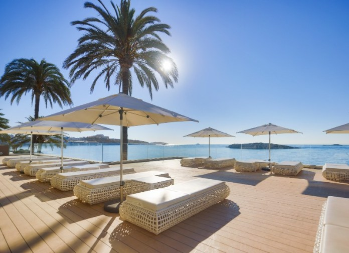 4.Terraza Excelence-honeymoon-in-ibiza