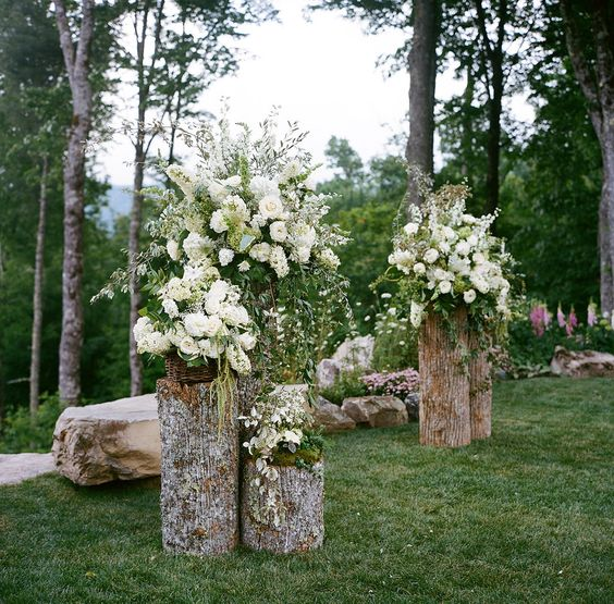 Determine how much you can afford to spend on the wedding, and stick to this budget. 22 Rustic Backyard Wedding Decoration Ideas on A Budget ...