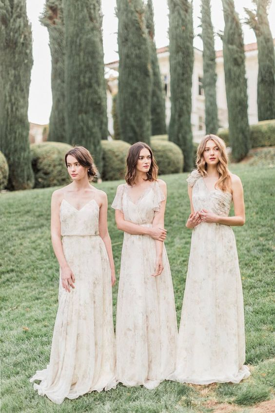 22 Floral Print Bridesmaid Dresses For Spring And Summer