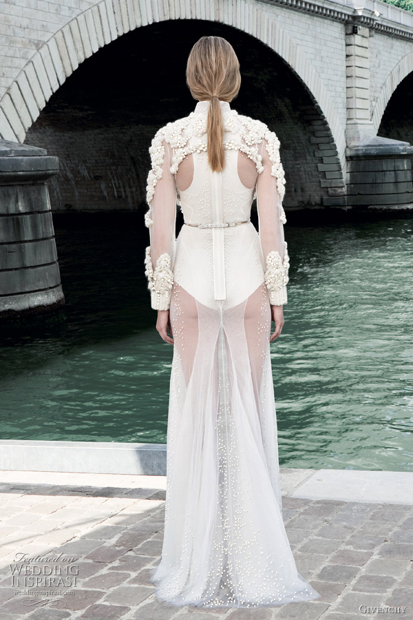 Givenchy Fall 2011 Couture Collection Wedding Inspirasi