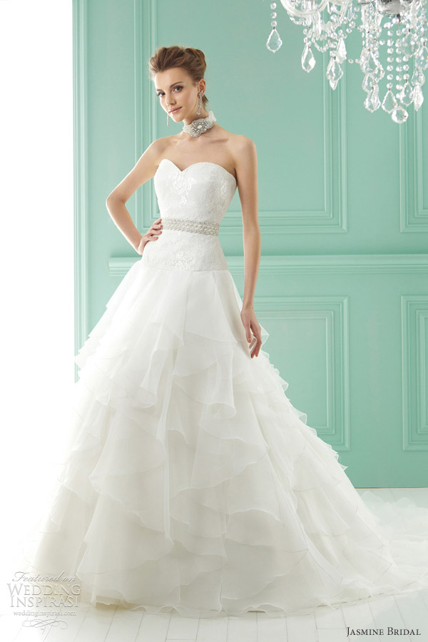 Halter Line Lace Wedding Dresses