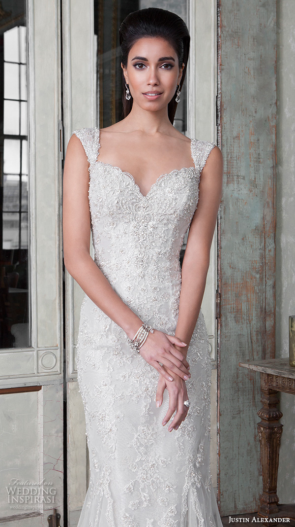 justin alexander signature spring 2016 beautiful mermaid wedding dress fit flare trumpet sweetheart neckline beaded embroidery 9810 closeup