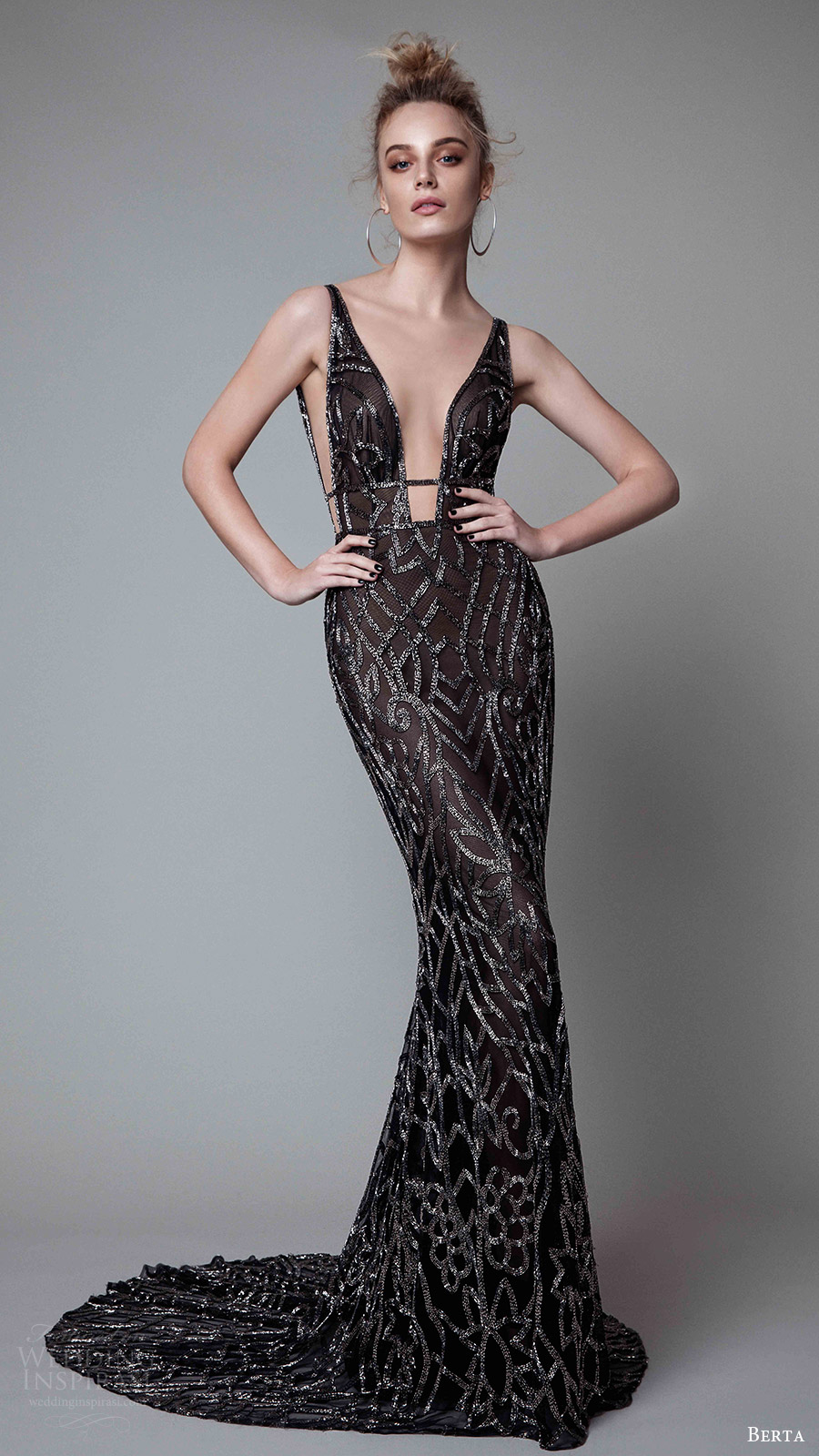 berta rtw fall 2017 (17 05) sleeveless deep vneck sheath black evening dress embellished mv