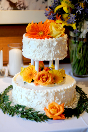 Pros and Cons of Hiring Professionals for your LDS Wedding Reception