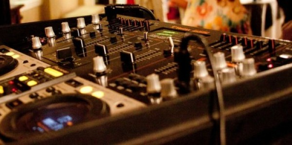 How to hire a DJ