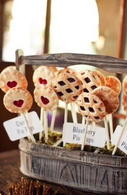 Cozy Pie Bar Idea For Your Wedding