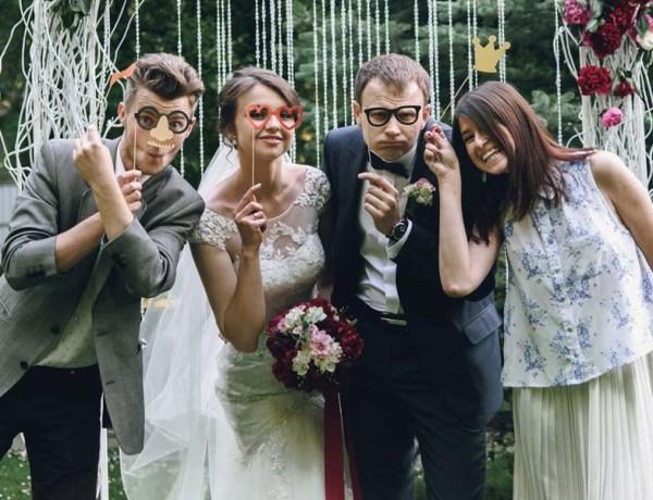 fun way to take photos at your wedding
