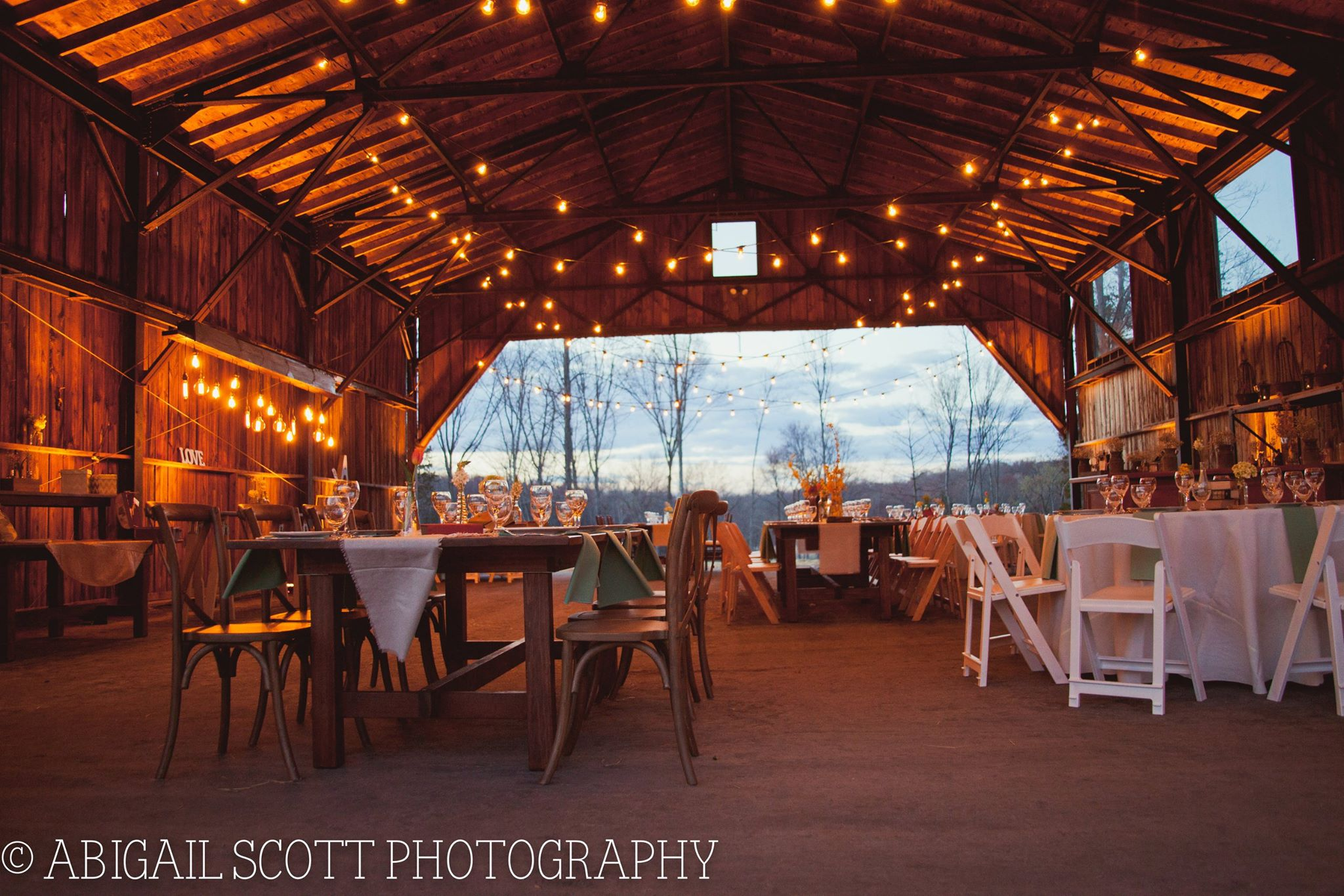 The Hangar At Candlelight Farms In Connecticut Wedding