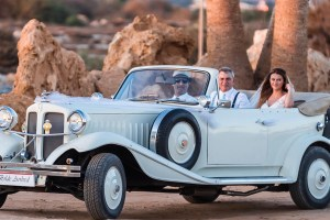 cyprus-bride-in-car