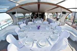 yacht-Wedding-table-dinig